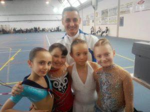 ivan-bovara-con-le-novizie-giovani
