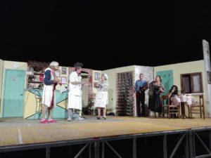 Invernacolando: Il Carrozzone di Morro d'Oro sul palco del Teatro San Filippo Neri di San Benedetto