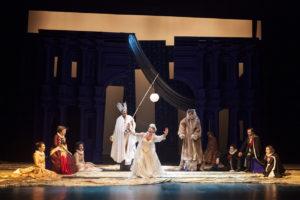 Al Teatro Lauro Rossi di Macerata Sogno di una notte di mezza estate, un must del Teatro dell'Elfo per la regia di Elio De Capitani