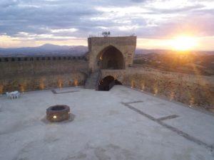 Torna di nuovo l'opera lirica alla fortezza di Acquaviva Picena col M. Roberto Pomili