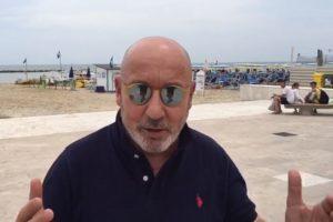 VIDEO / Maurizio Battista presenta il suo Cabaret Amoremio!