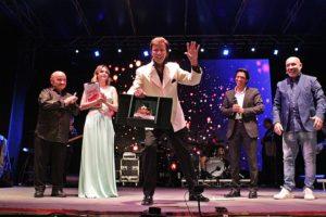 Andrea Fratellini conquista il pubblico di Grottammare e la 35esima edizione di Cabaret Amoremio