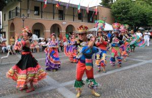 Gran finale a Penna Sant'Andrea del 43° Incontro di Folklore Internazionale