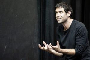 Al Teatro Comunale di Cagli arriva il Mistero Buffo di Dario Fo con Matthias Martelli