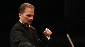 A Macerata brindisi al nuovo anno al Teatro Lauro Rossi con l'Orchestra Filarmonica Marchigiana