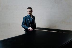 Appassionata, l'astro francese del pianismo mondiale Bertrand Chamayou suona Schumann, Ravel e Sant Saens