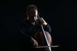 Fano: il violoncellista Giovanni Gnocchi incontra il pubblico, appuntamento in Sala Verdi