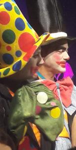 Bambini attori sul palco a Sirolo per Cari Pagliacci