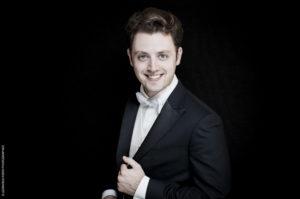Il giovane direttore d'orchestra Alessandro Bonato ospite di FOrM Cafè