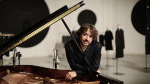 Al Teatro Comunale di Cagli Mario Mariani presenta il suo nuovo album V.I.T.R.I.O.L.