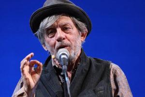 Paolo Rossi & Anciens Prodiges Band presenta in anteprima al Teatro Comunale di Cagli lo spettacolo Stand up Shakespeare – Su la testa