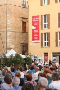 Oliviero Toscani domani sera a Passaggi Festival