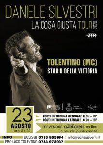 La cantautrice marchigiana Maria Antonietta apre il concerto di Daniele Silvestri allo stadio Della Vittoria di Tolentino